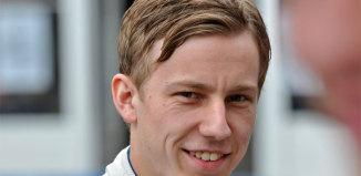 Motiverad Mattias Olsson laddar om med ny bil 2015
