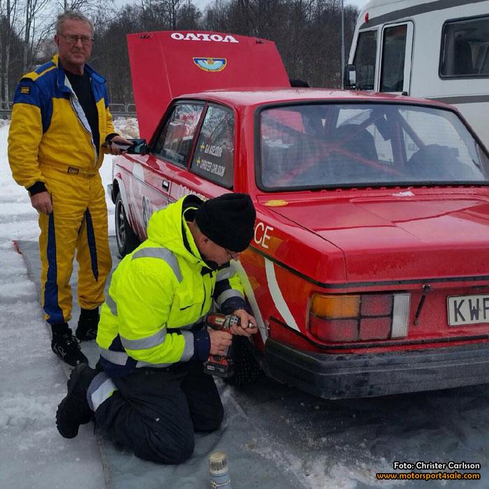 Ola Axelsson kör för segrar i en frisk Volvo