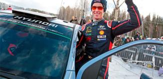 Neuville på andraplatsen i Rally Sweden