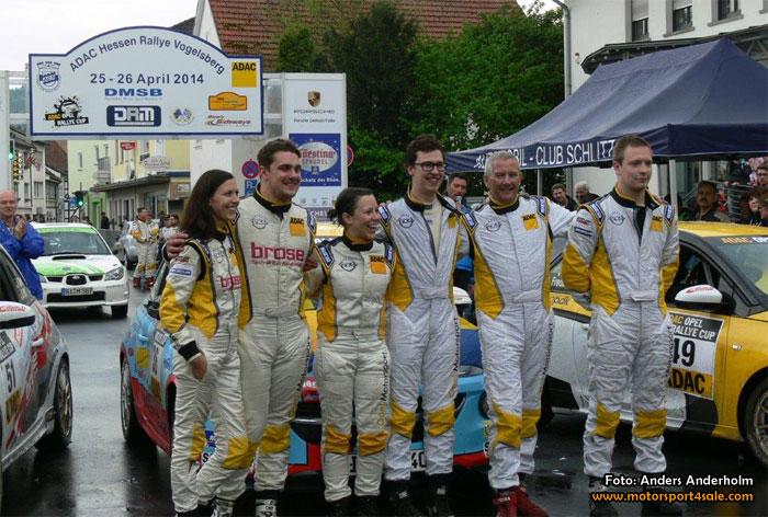 Seger direkt för Emil och Sofie i Opel Adam Cup