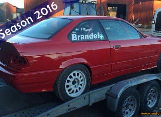 Robin Brandel putsar sin BMW