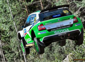Tidemand trea i hård kamp i Rally Finland