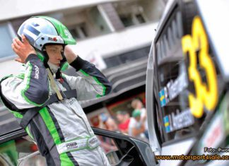 Pontus Tidemand laddar om efter kraschen i Rally Finland