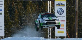 Pontus Tidemand flyger fram i Rally Sweden