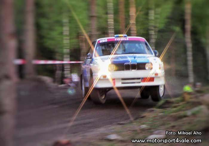 Patrik Flodin och Göran Bergsten flyger fram i sin BMW M3