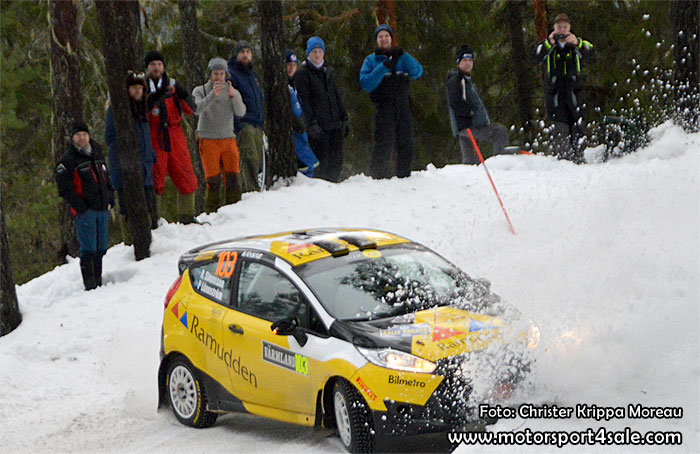 Pontus Lönnström vet hur man underhåller rallypubliken