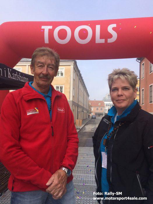 C G Wilke, Hässleholms MK, tävlingsledare SM-veckans Rallysprint och Sara Mejving, Skillingaryds MK.