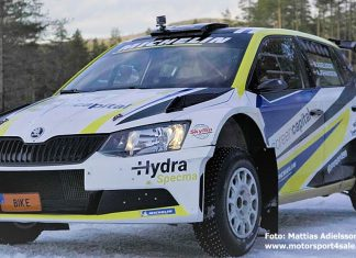 Mattias Adielsson i fortsatt ledning av Rally Vännäs