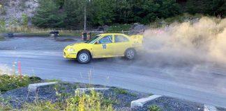 Joakim Björnsson sladdar med Mitsubishin